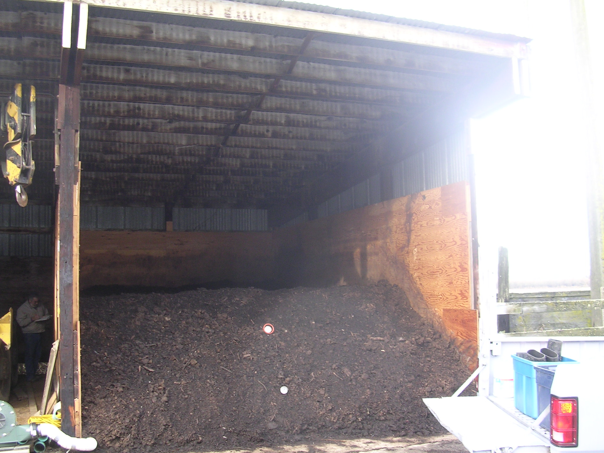 Aerated static pile composting