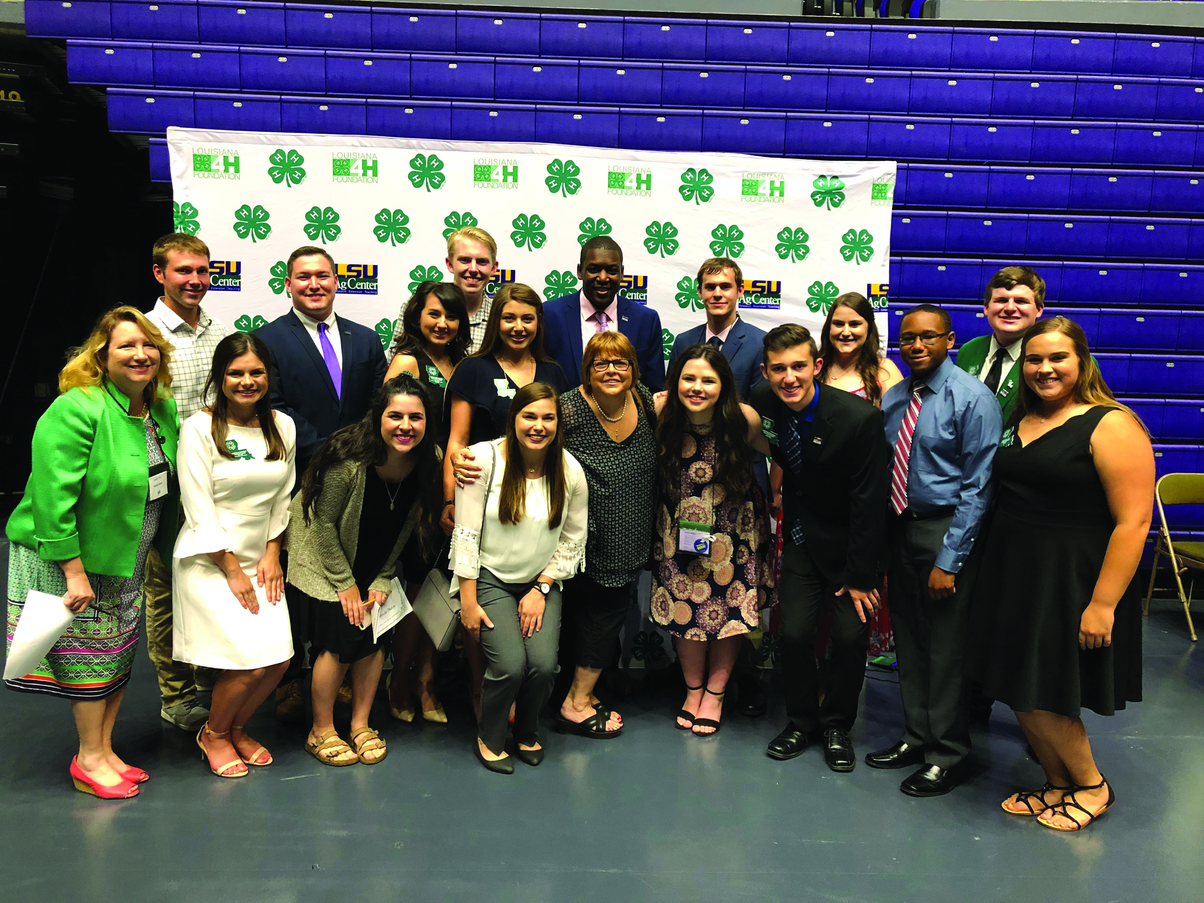 Fran Castille with 4-H leaders and members.