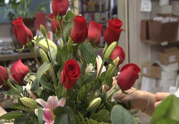 Student spends summer interning at flower shop