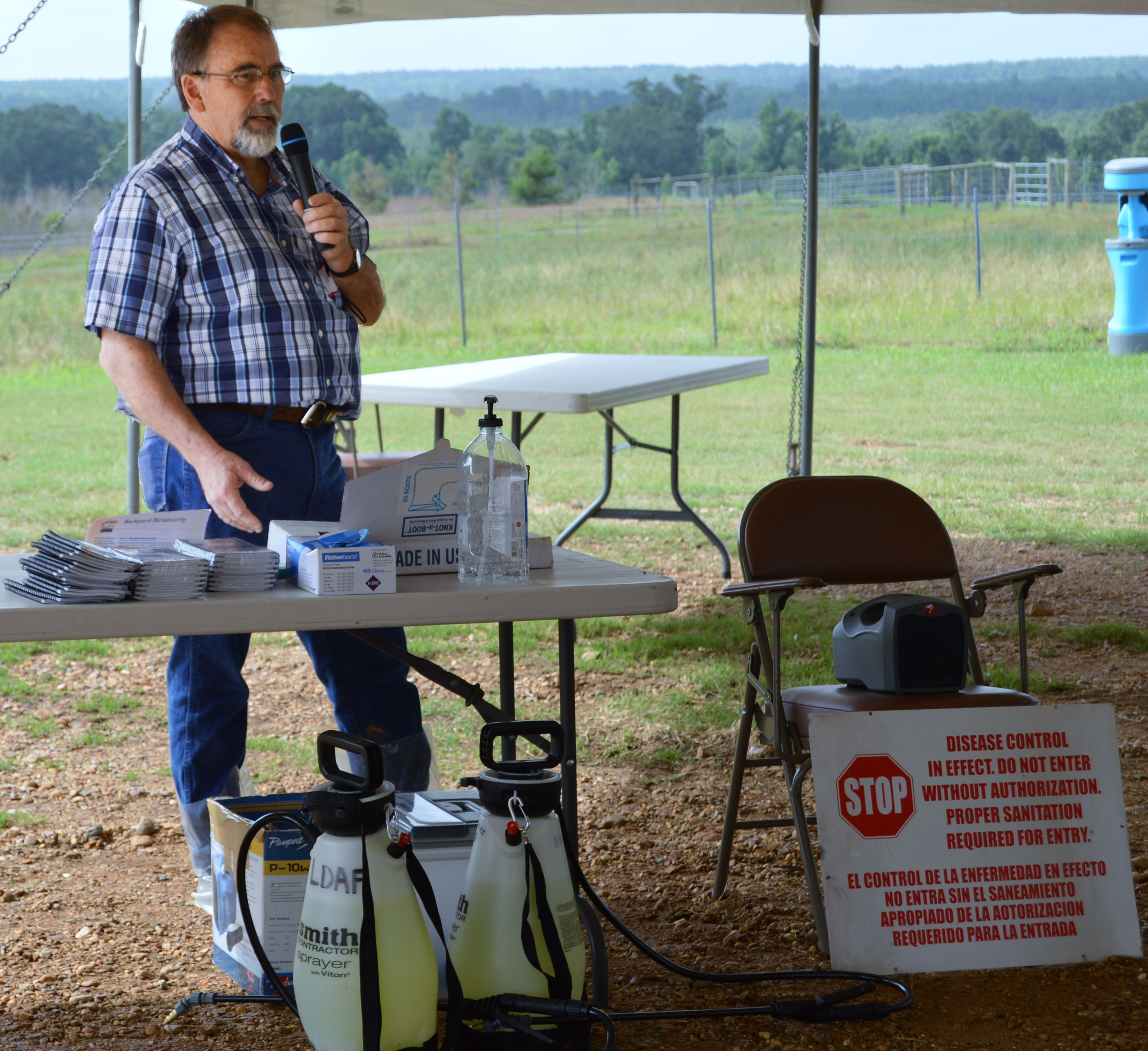 Poultry producers hear best practices at AgCenter field day