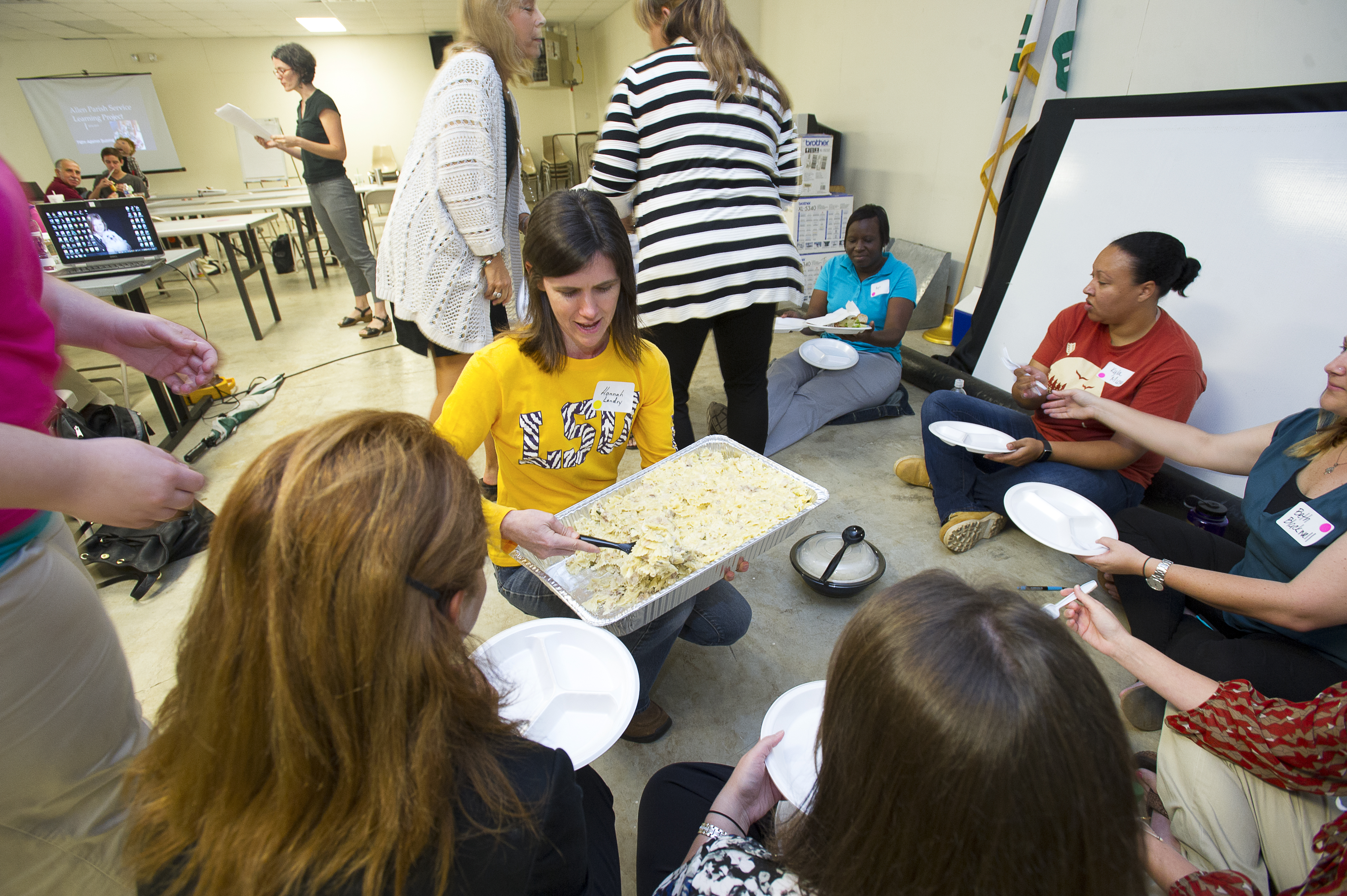 Louisiana 4-Hers, leaders learn about hunger, poverty at training event