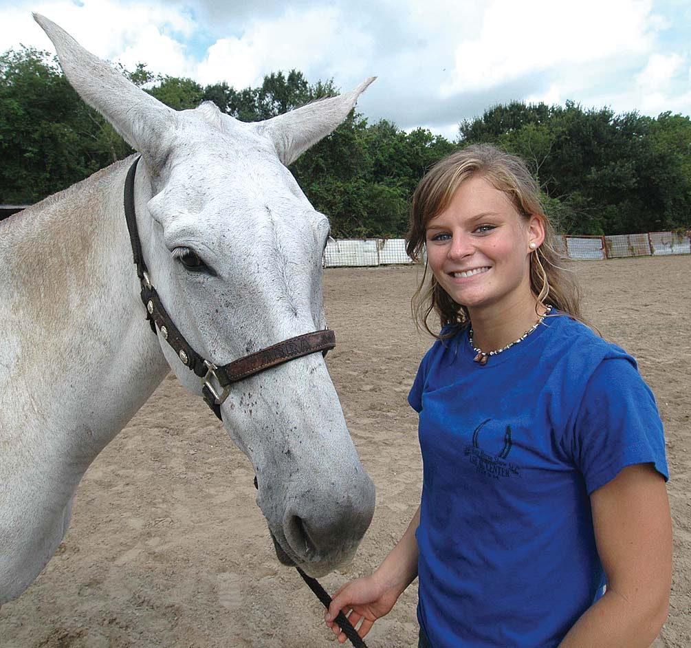 4-H'er breaks stereotype, wins state show with mule