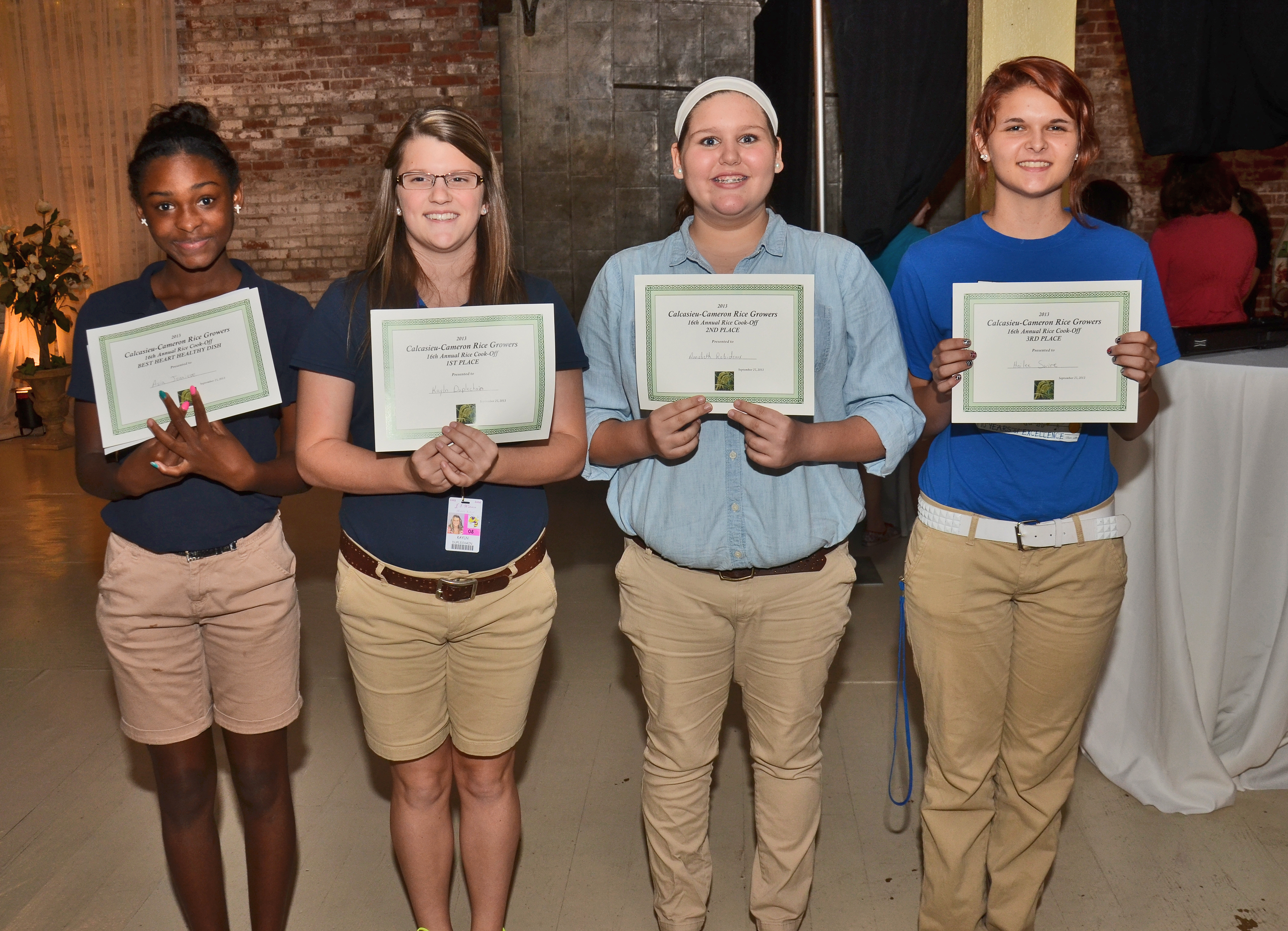 Four students win rice cooking awards