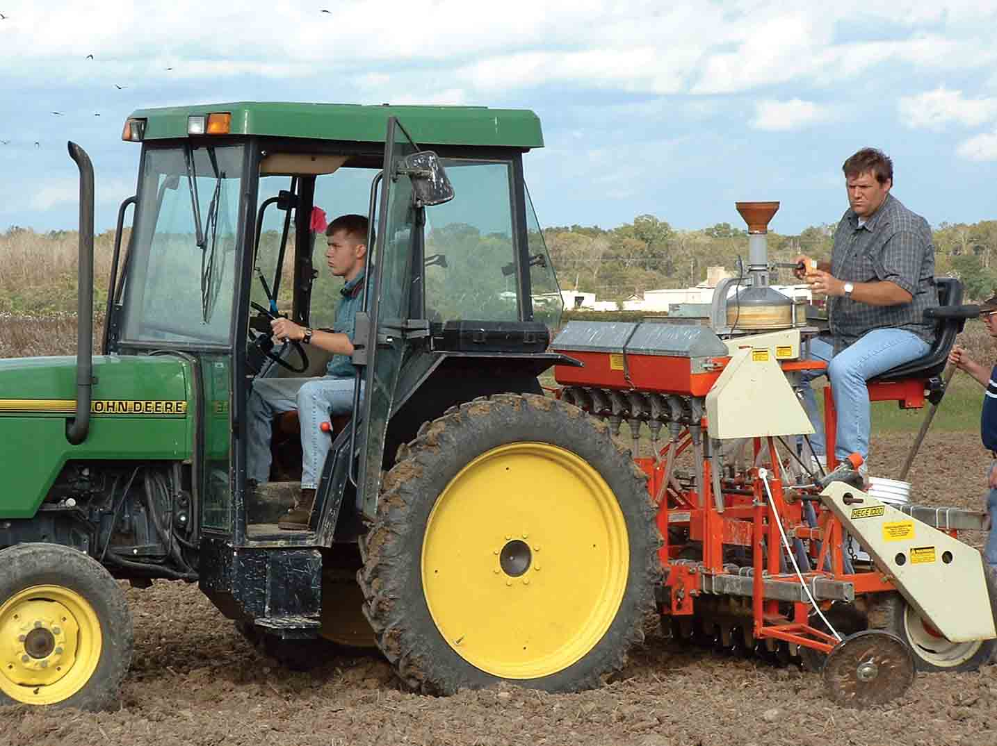 Reassembling the Mix: Breeding Leads to Better Wheat, Oat Varieties