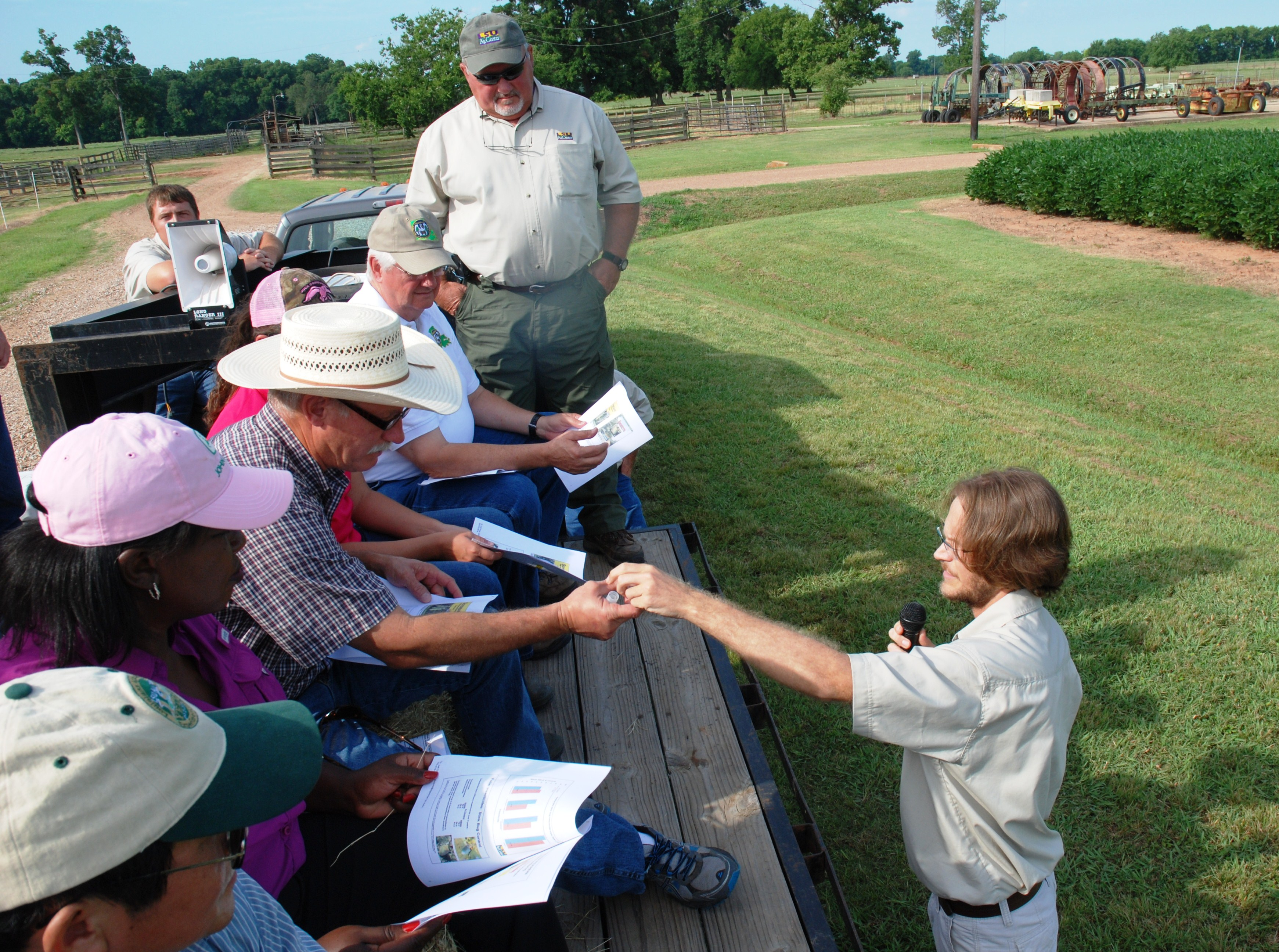Soybeans, cotton, corn featured at AgCenter field day