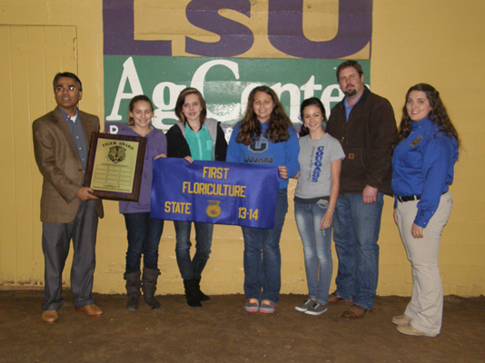 Calvin High School students win the Tiger Award ni Floriculture