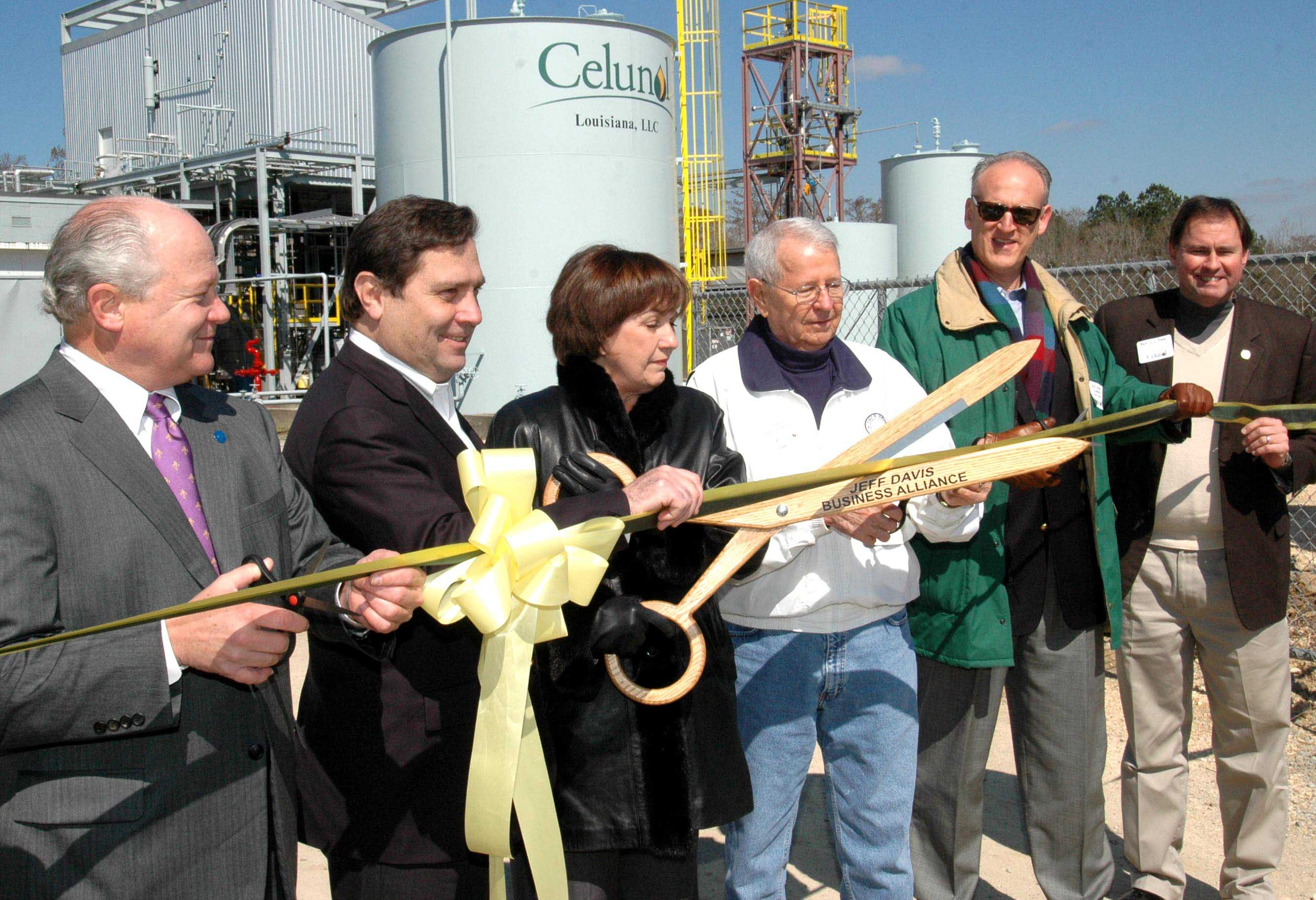 Officials Break Ground, Cut Ribbon For Ethanol Facilities
