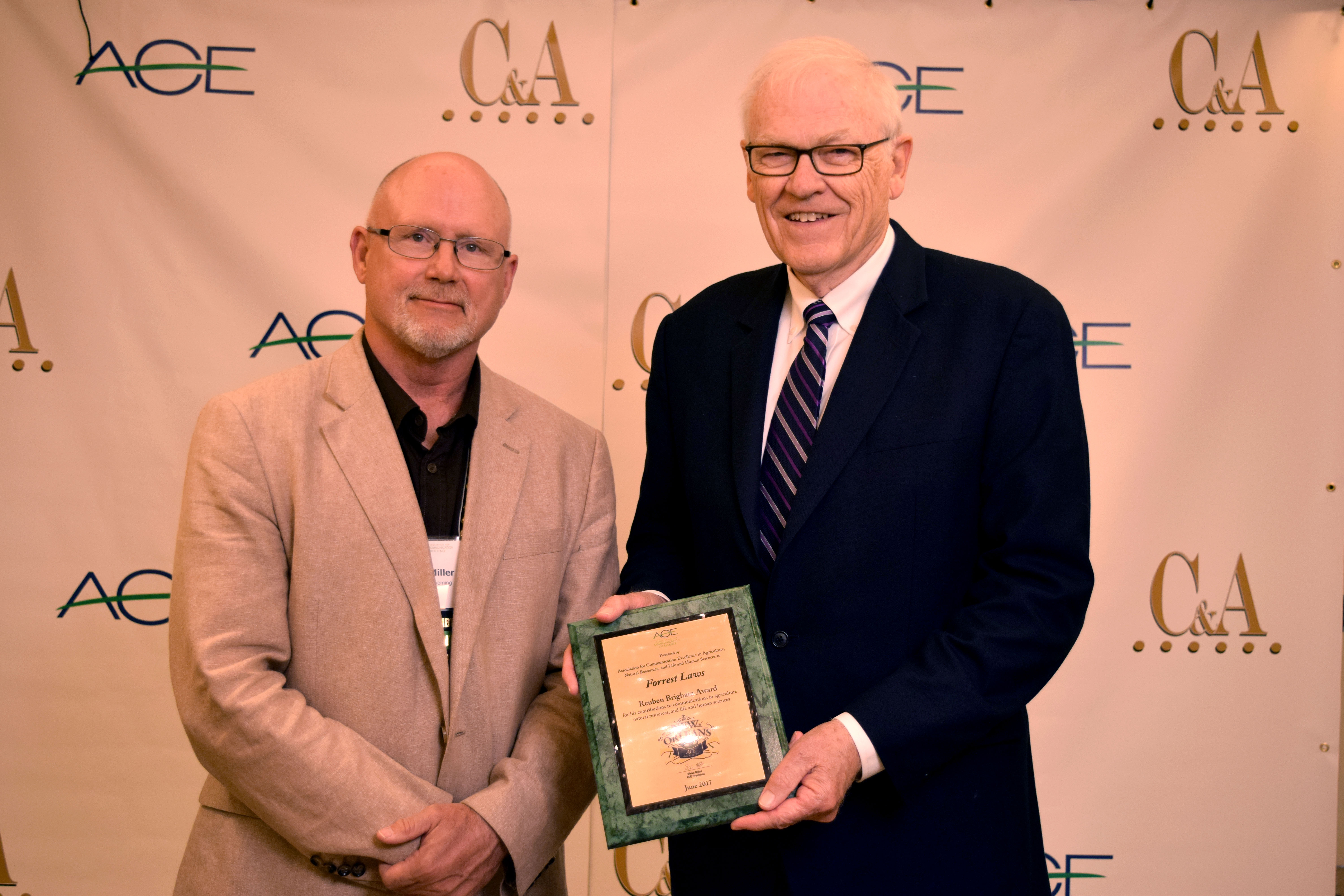 Agricultural journalist receives national communications award