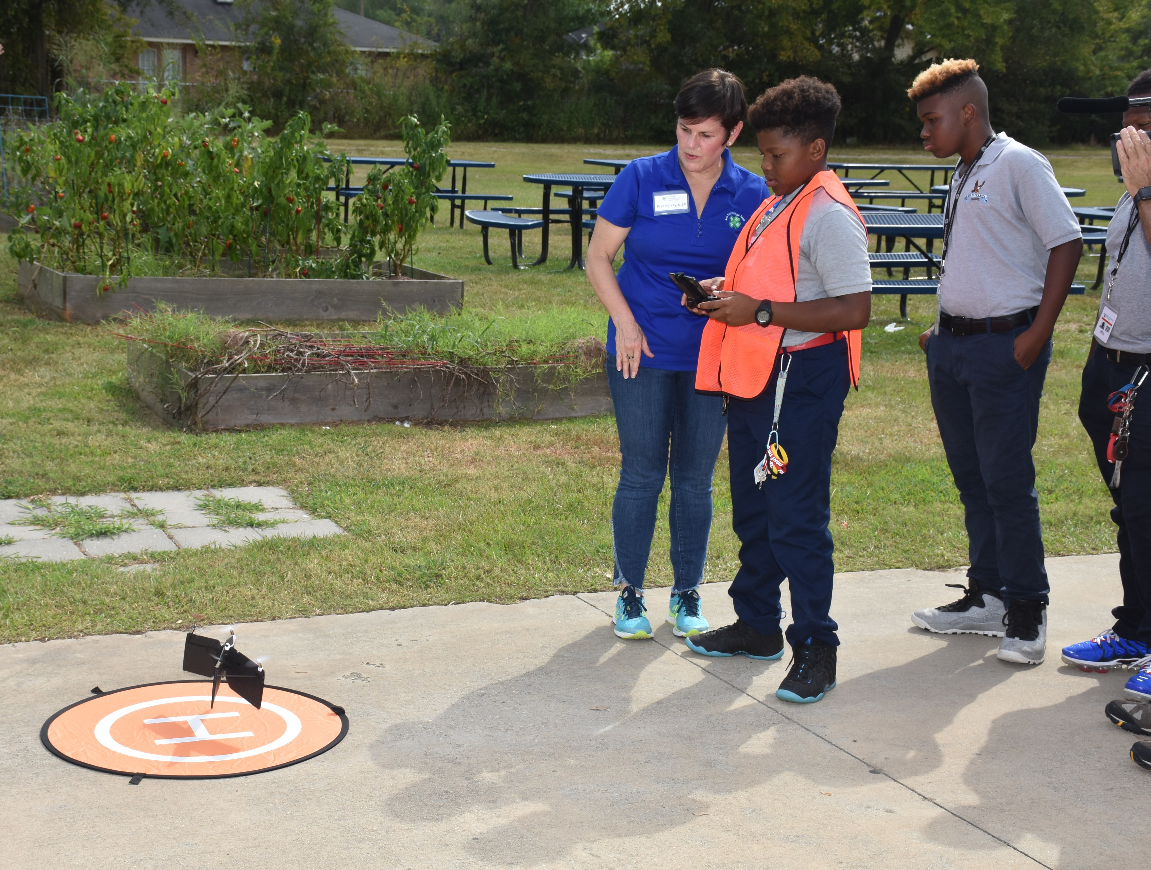 4-Hers flying a drone .JPG thumbnail
