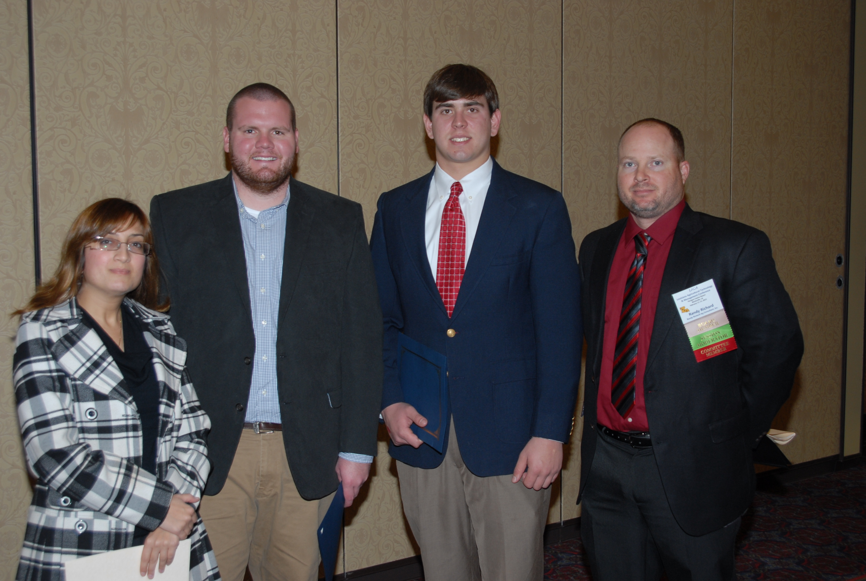 Ag consultants give scholarships to 3 LSU students