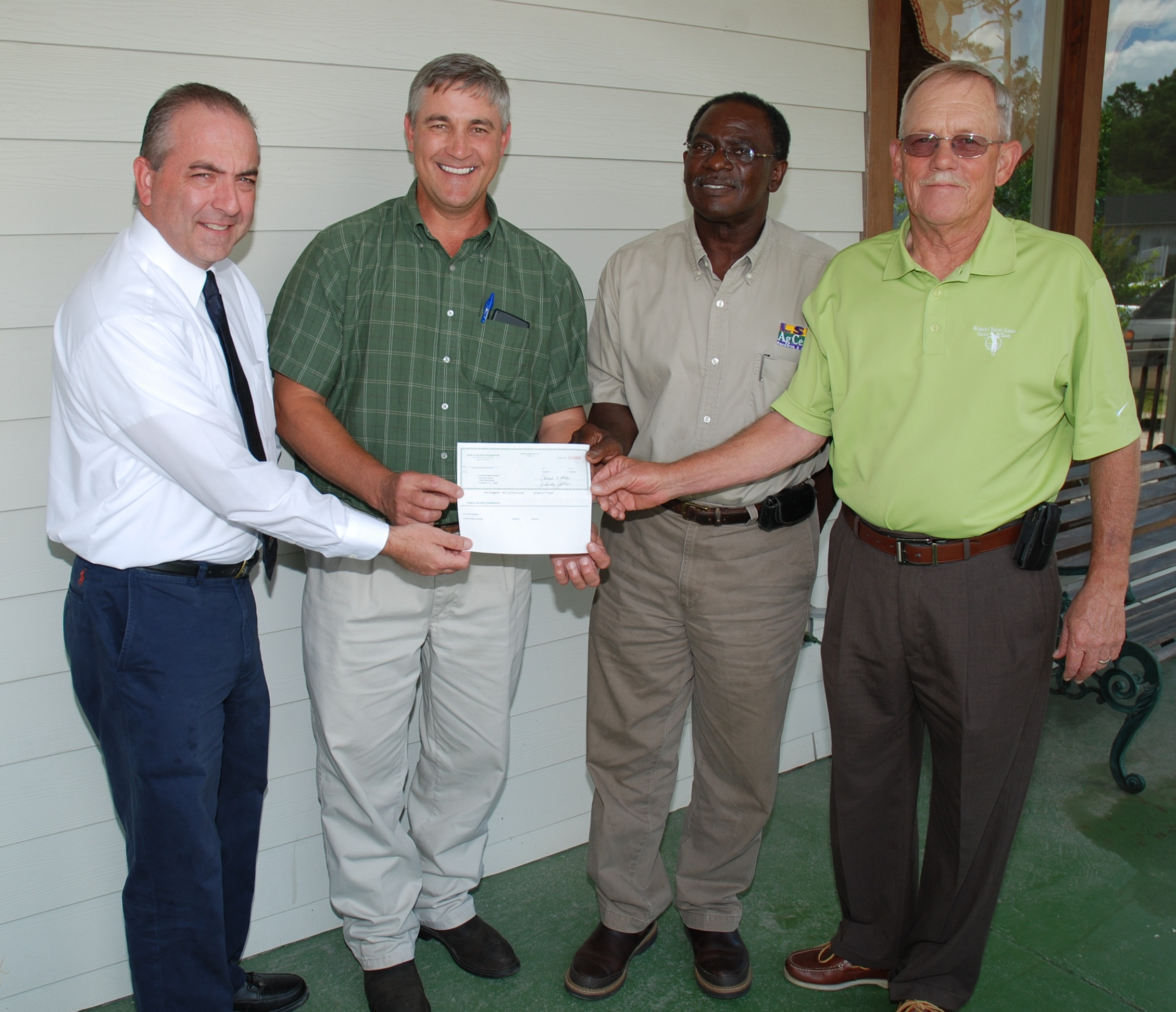 Bogalusa paper mill donates funds to LSU AgCenter programs