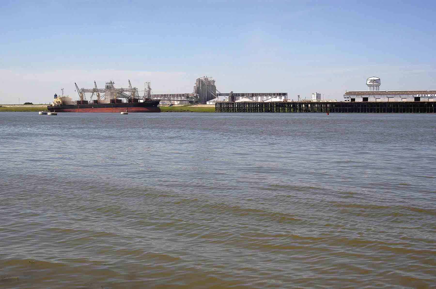 Katrina Disrupts Mississippi River Grain Transportation