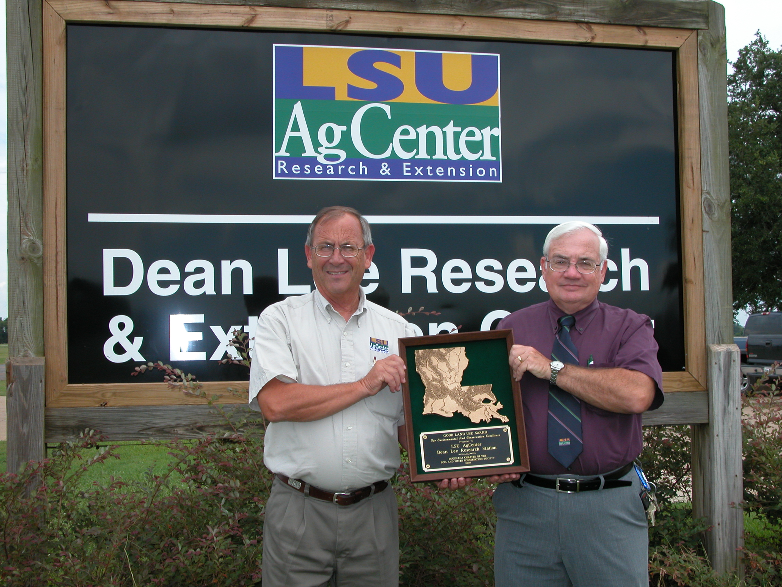 Dean Lee Station Receives Conservation Award