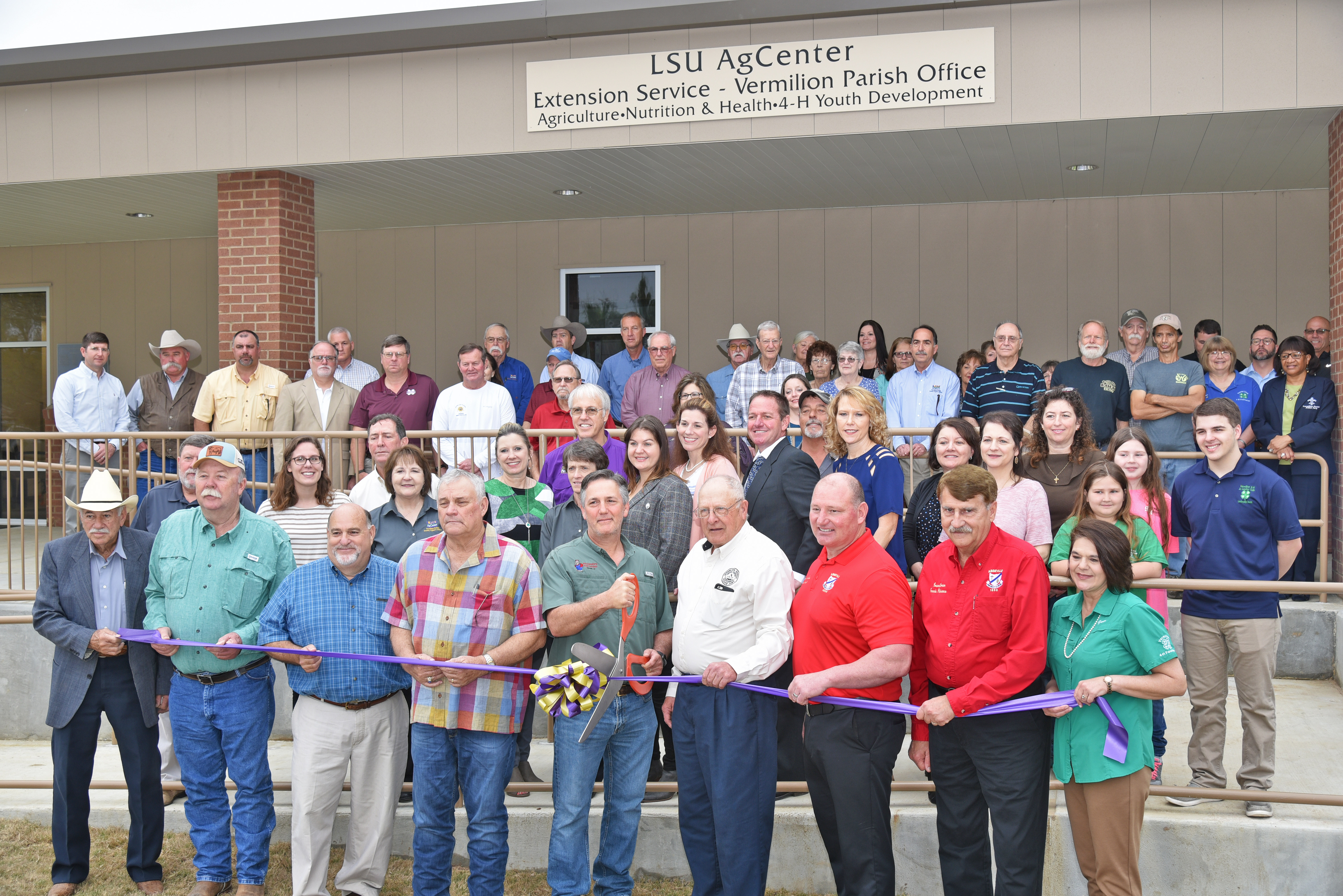 ribbon cutting at new AgCenter building in Abbeville.jpg thumbnail