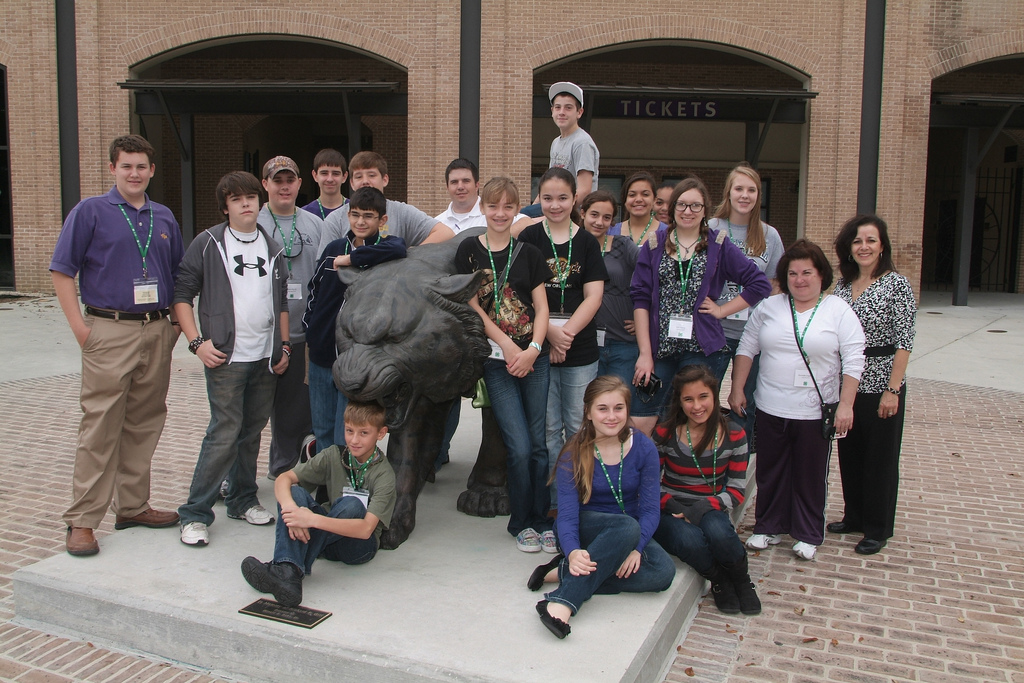 Service -- A Common Practice:  4-H Honors Service by 7th- & 8th-grade Achievers