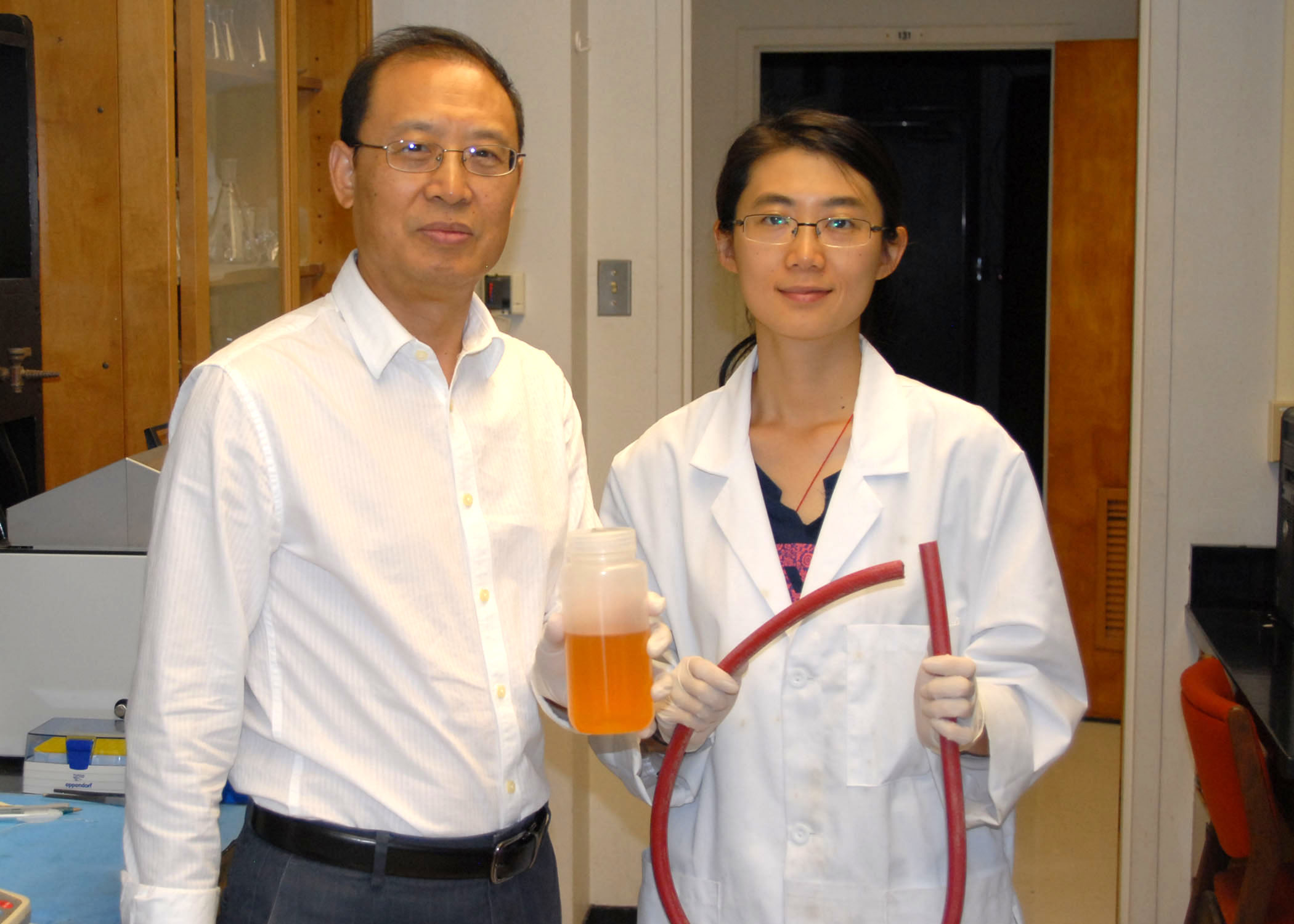 Liu applies pharmaceutical research to sprayer cleanout