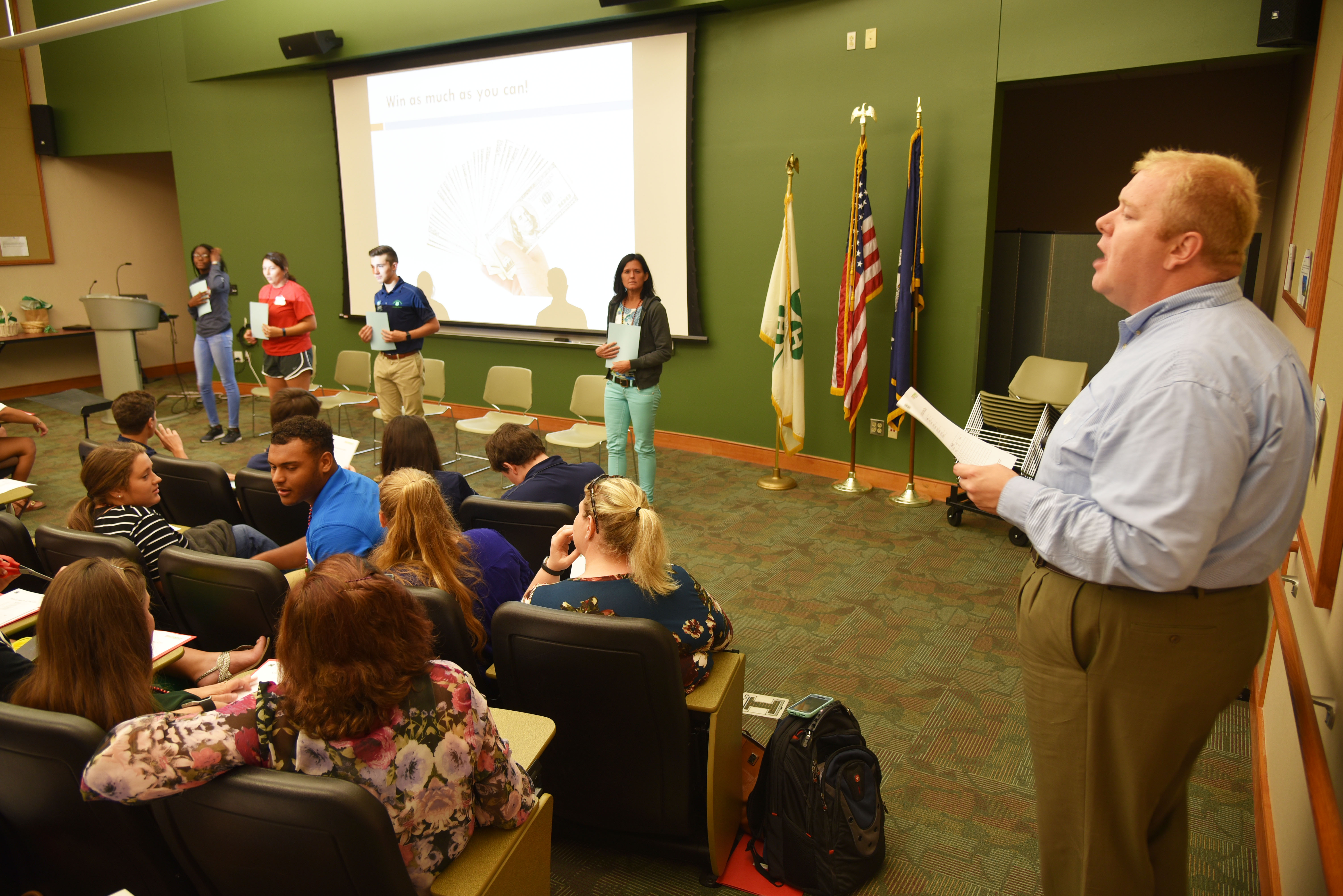 4-H leaders hear how to spice up their programs