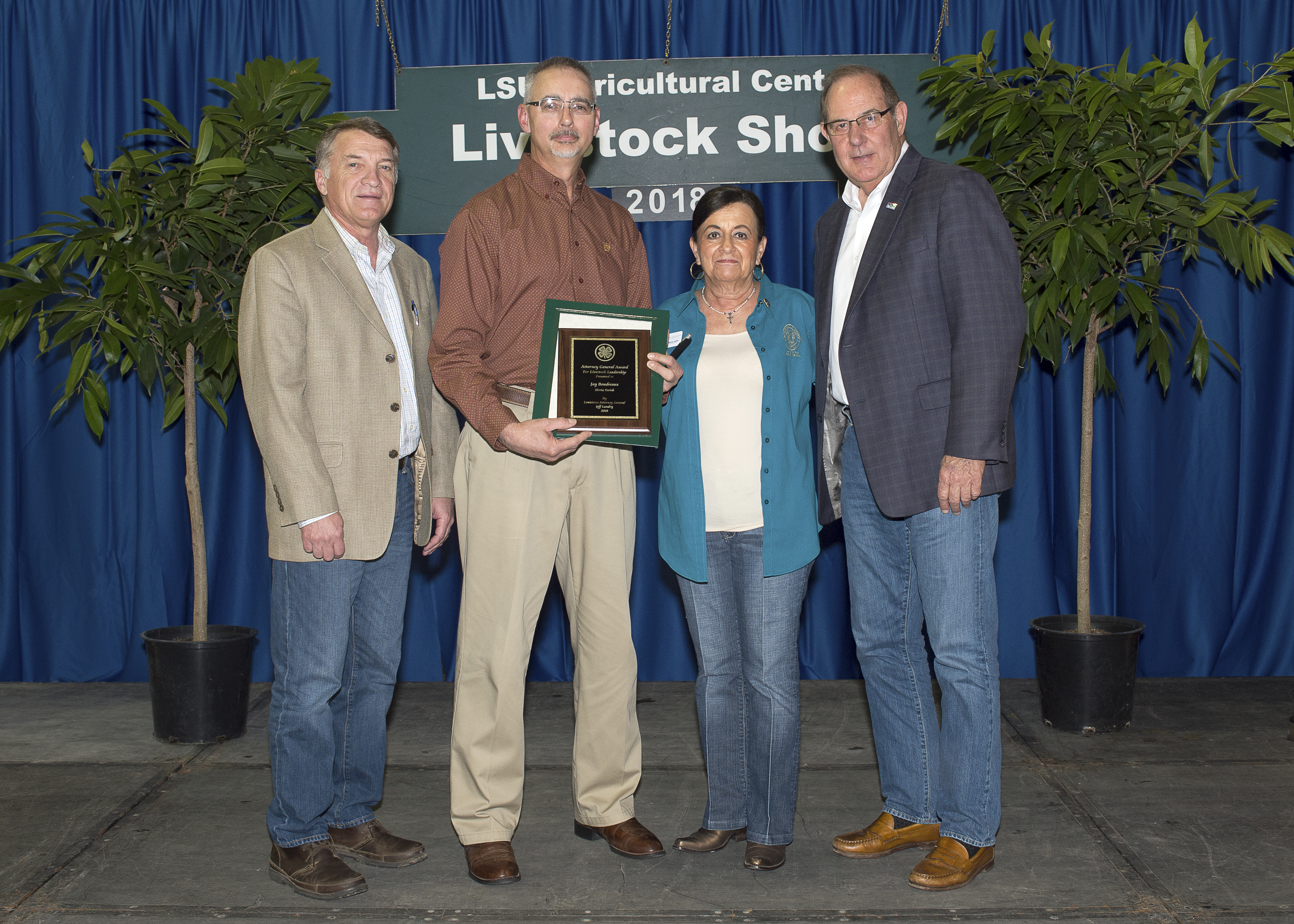 Livestock show awards honor 4-H, FFA members, volunteer