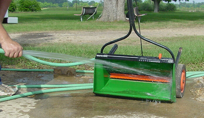Maintenance of Lawn Spreaders